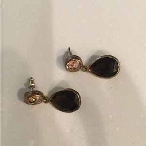 Jewelry - Dark amber colored drop earrings